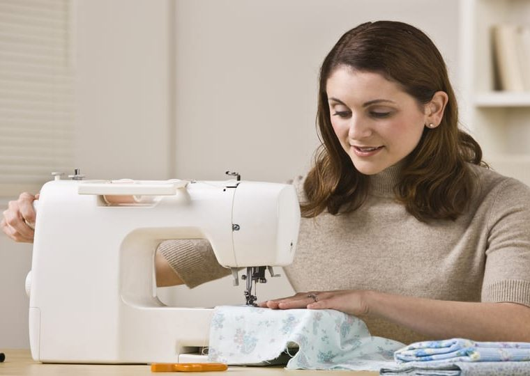sewing machine safety rules for beginners by top US sewing blog, The Sewing Korner