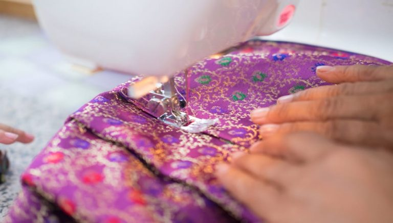 How to Sew Silk with Your Sewing Machine, a sewing tutorial by top US sewing blog, The Sewing Korner
