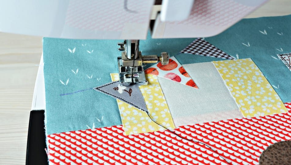 dreamstime_l_146554015 How to Applique with a Sewing Machine 950 x 540