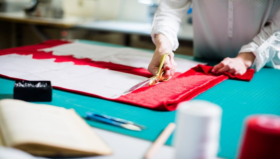 dreamstime_m_150306009 How to Sew Velvet with Your Sewing Machine 950 x 540