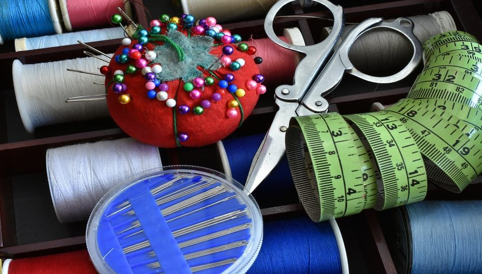 dreamstime_xl_117537348 Must-Have Sewing Tools and Their Uses 950 x 540