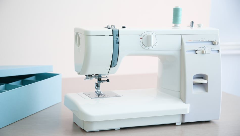 How to find the best sewing machine, a guide featured by top US sewing blogger, The Sewing Korner