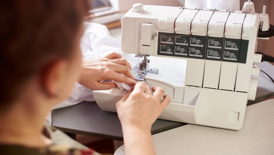 dreamstime_xxl_149689750 950 x 540 What is a Serger Sewing Machine