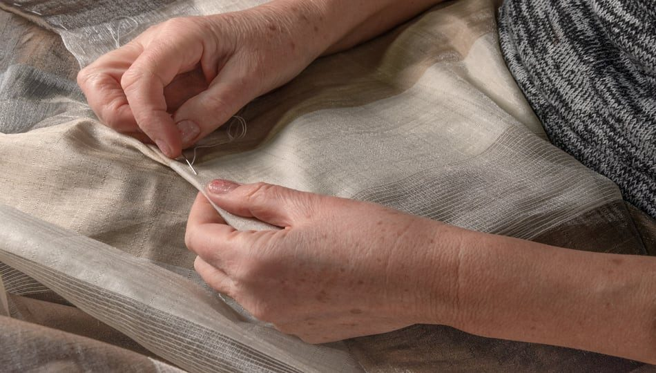 dreamstime_xxl_176671376 950 x 540 How to Straight Stitch By Hand - Step by Step Guide
