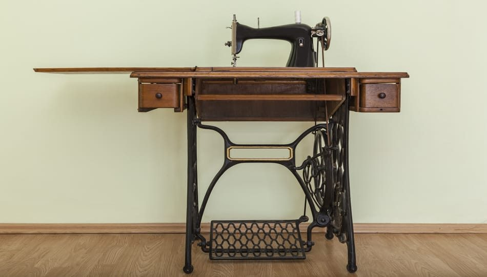 iStock-930264832 950 x 540 What Is a Treadle Sewing Machine
