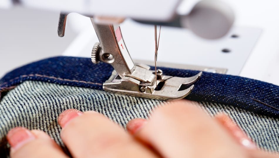 shutterstock_325969742 950 x 540 How to Sew a Hem with a Sewing Machine